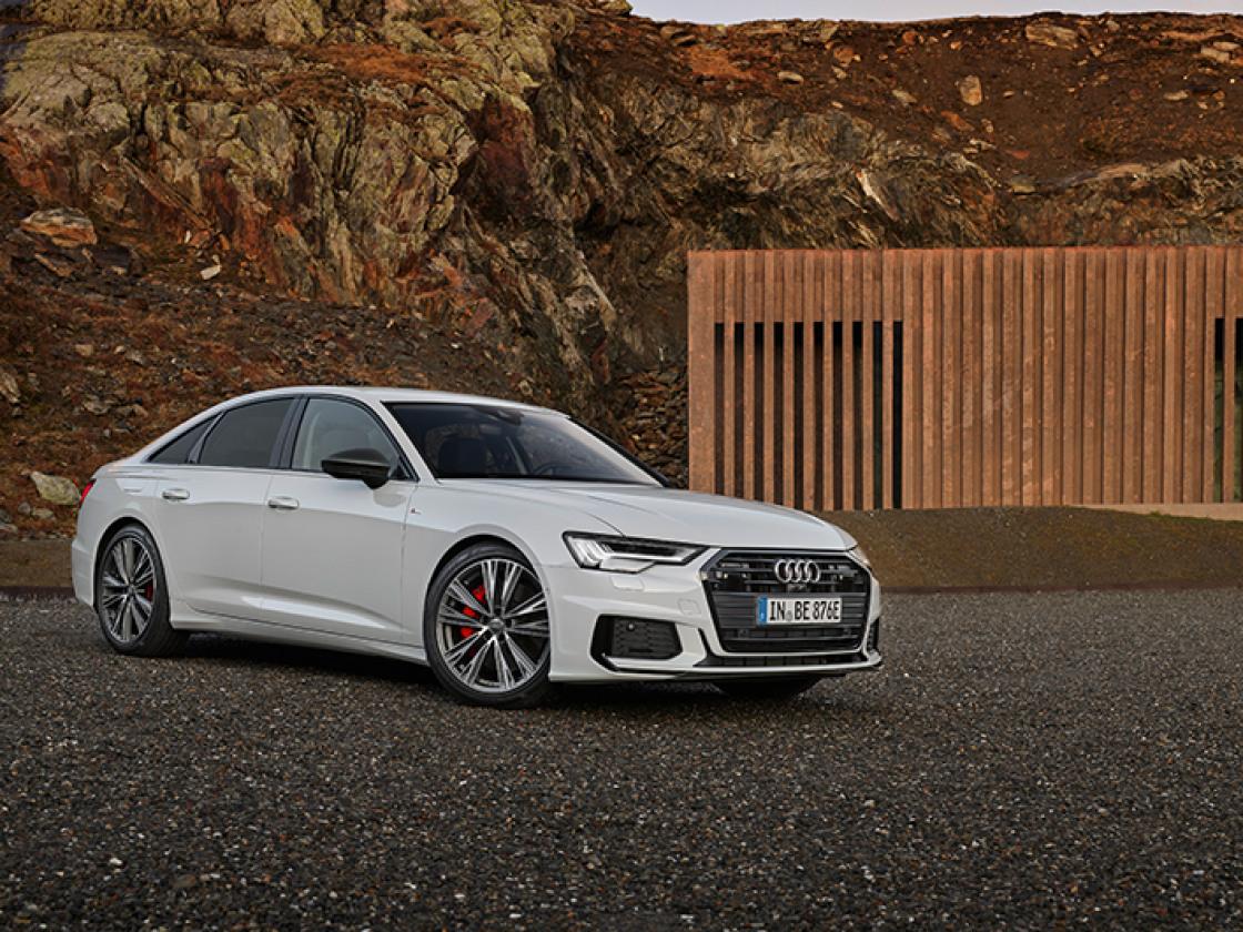 Witte Audi A6 Limousine