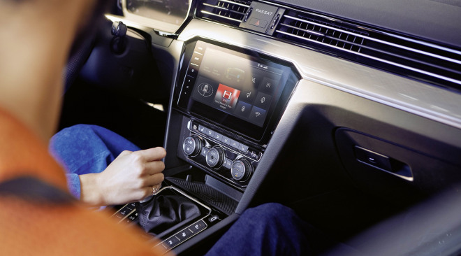 201908-Volkswagen-Passat-06.jpg