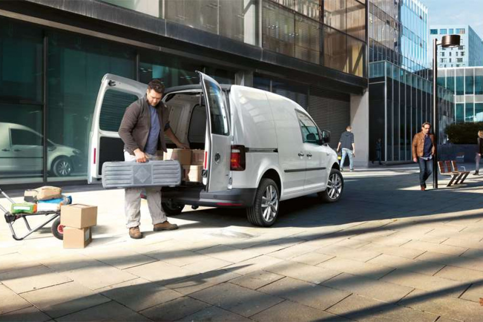 https://axynoohcto.cloudimg.io/crop/980x653/n/https://s3.eu-central-1.amazonaws.com/muntstad-nl/04/201908-volkswagen-caddy-04.jpg?v=1-0