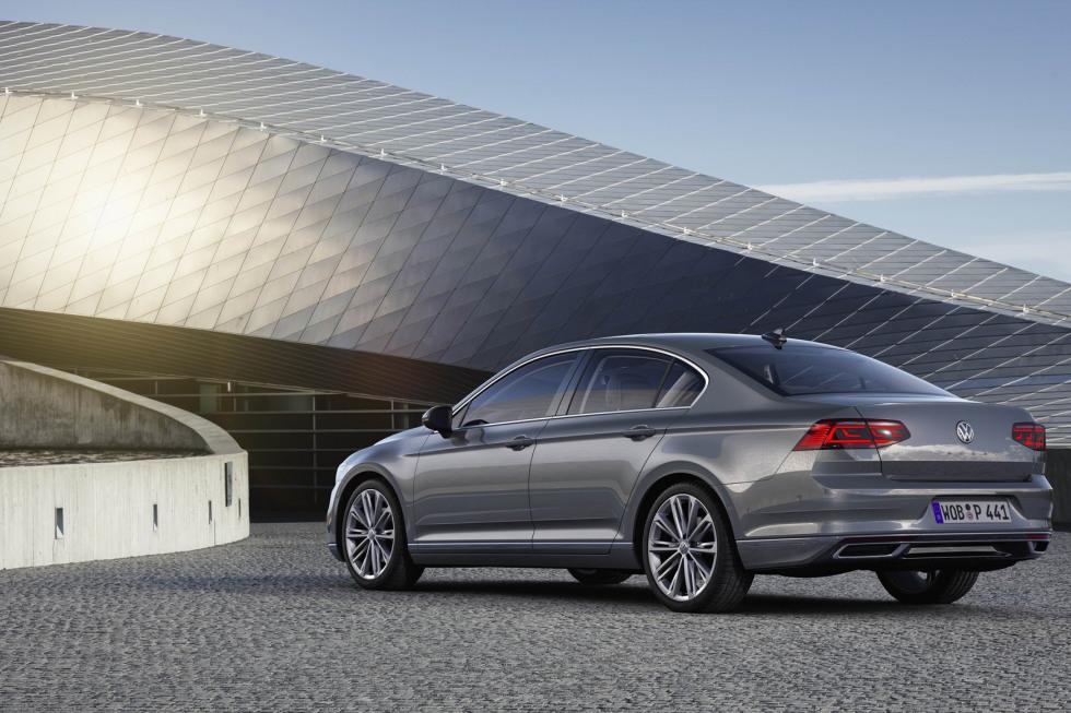 201908-Volkswagen-Passat-01.jpg
